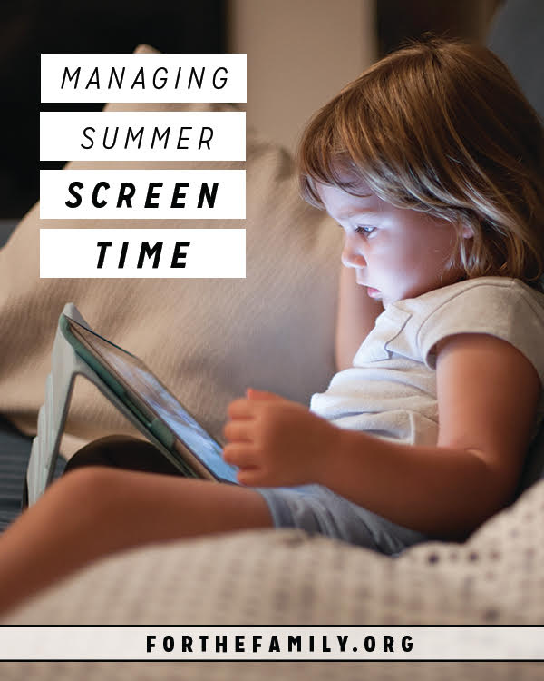 Those lazy days of summer are nearly upon us and that means.... the kids might end up in front of lots of screens. Time with the TV, computers and iPads can quickly overtake our relaxed schedules. Here's a plan to enjoy them, but help you keep them in check.