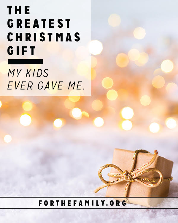 Help your children give a gift this Christmas that will bless their own lives as much as it will the recipient! Develop their love and memorization of Scripture- These are our favorite ideas how.